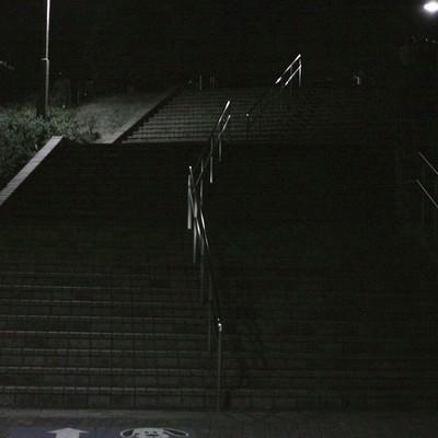 公園の階段(深夜)の写真