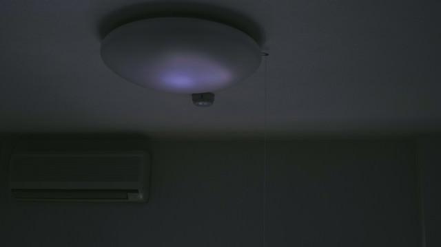 「電気が止められた・・・」のフリー写真素材