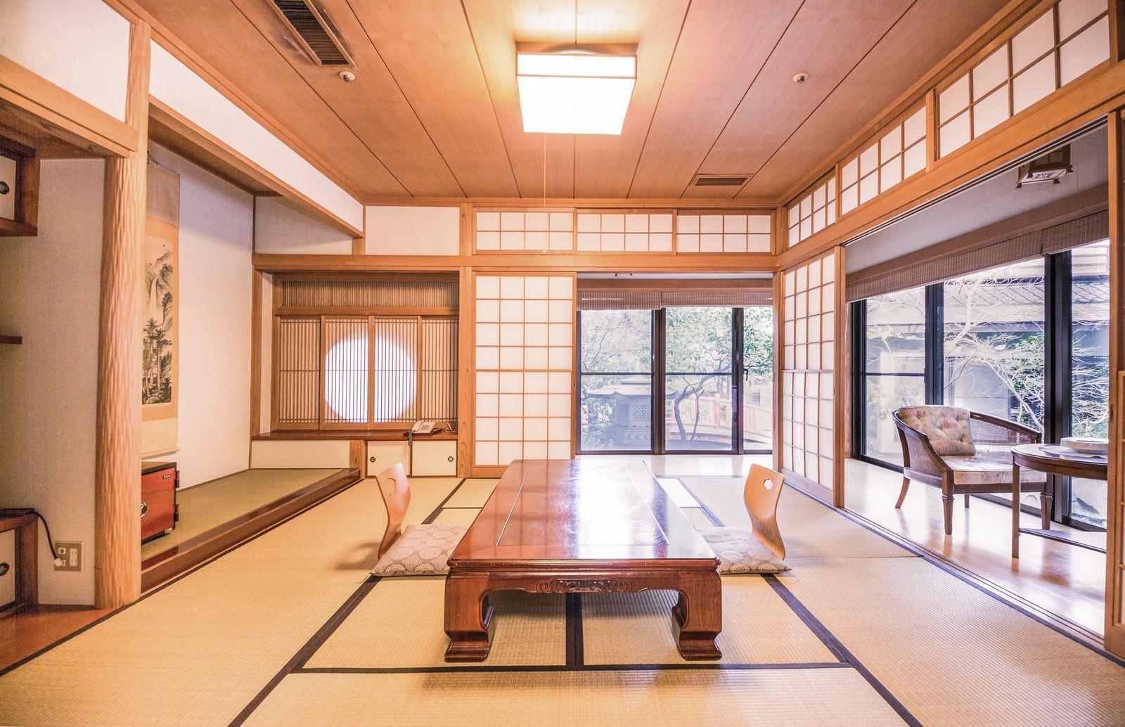 「温泉宿の和室 | 写真の無料素材・フリー素材 - ぱくたそ」の写真
