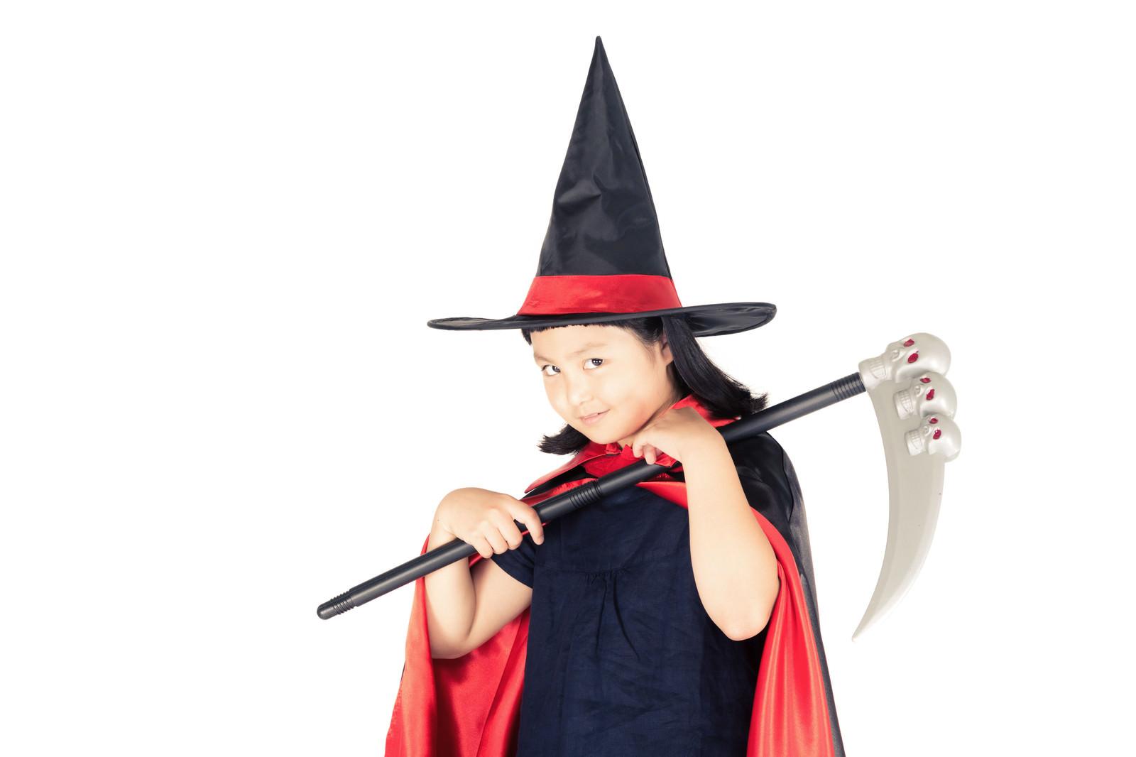 「ハロウィンの衣装を着せたら娘の様子がおかしい」の写真[モデル:ゆうき]
