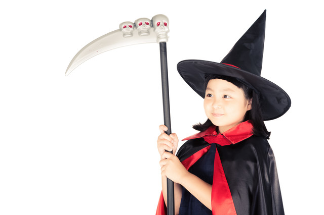 死神の鎌をもった魔法少女の写真