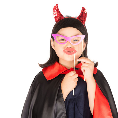 「メガネと唇で変装するプチデビル」の写真素材