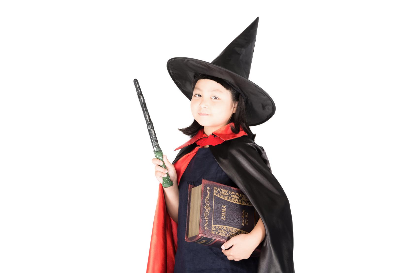 「魔法学校初等部魔法学校初等部」[モデル:ゆうき]のフリー写真素材を拡大