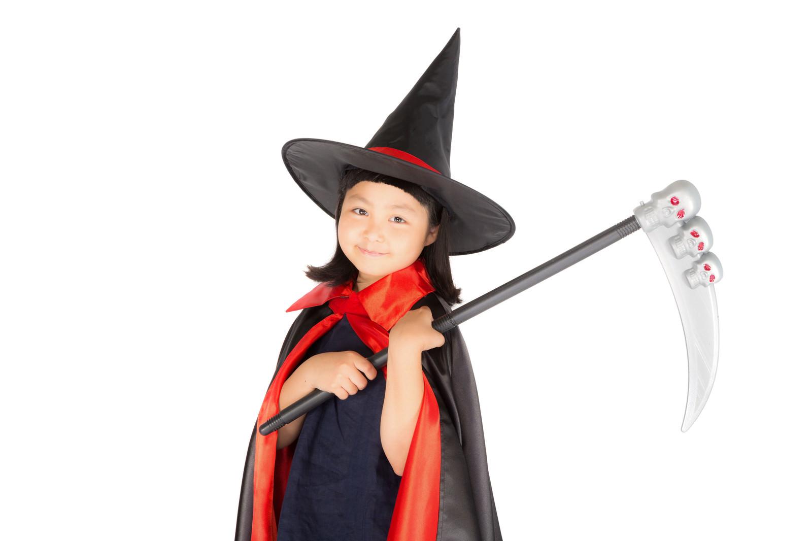 「ニッコリスマイルの魔女っ子」の写真[モデル:ゆうき]