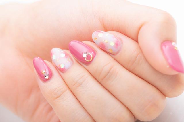 ピンクネイルカラーの写真