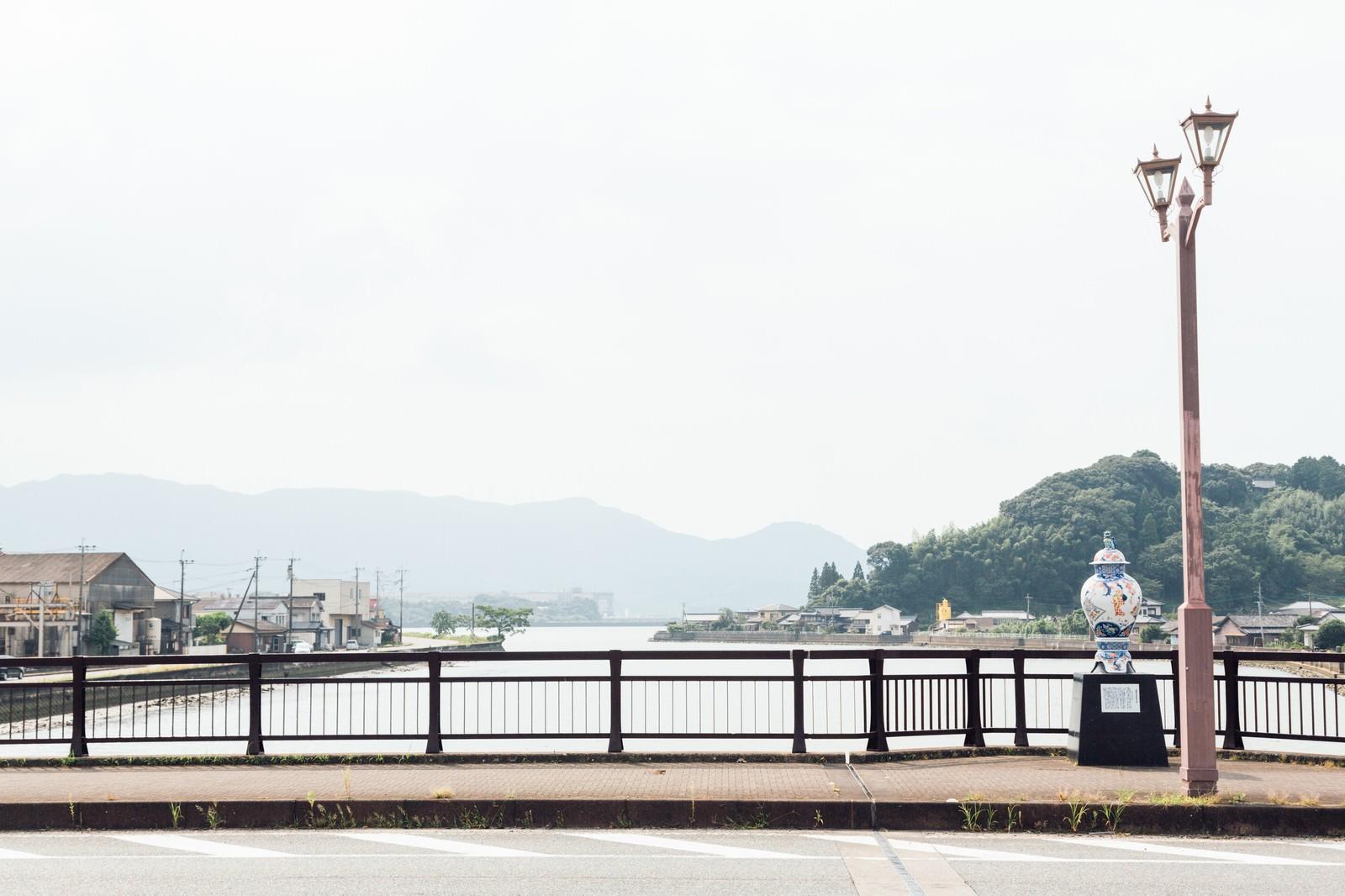 「伊萬里津大橋と大壷」の写真