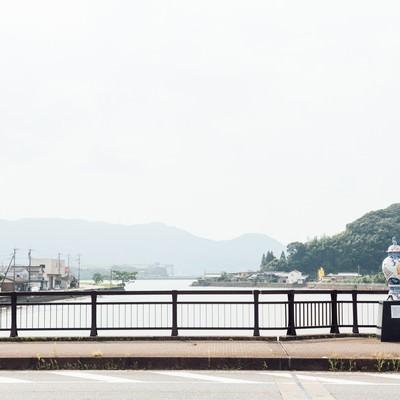 「伊萬里津大橋と大壷」の写真素材