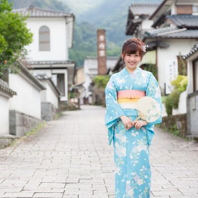 「伊万里市大川内山と浴衣美女」の写真素材