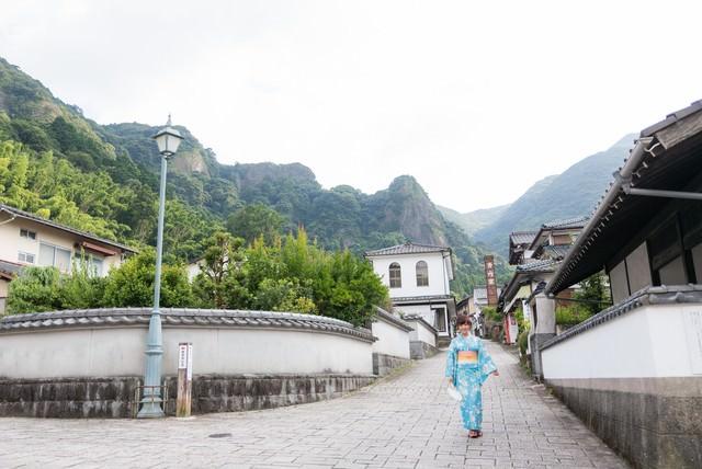 秘窯の里、伊万里大川内山と浴衣女子の写真
