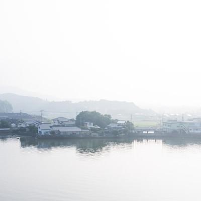 「伊万里川と住宅地」の写真素材