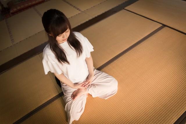 座禅をすることで色々な思考が頭を駆け巡る(伊万里市本光寺)