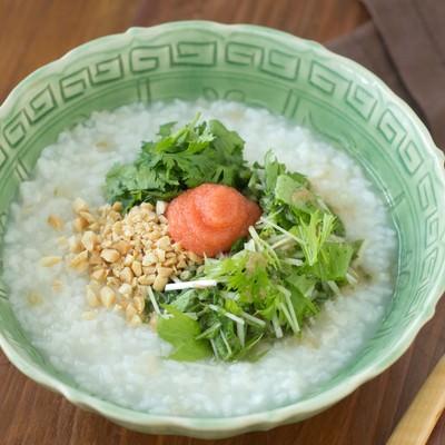 「シャキシャキ水菜と明太子の「香港がゆ」」の写真素材