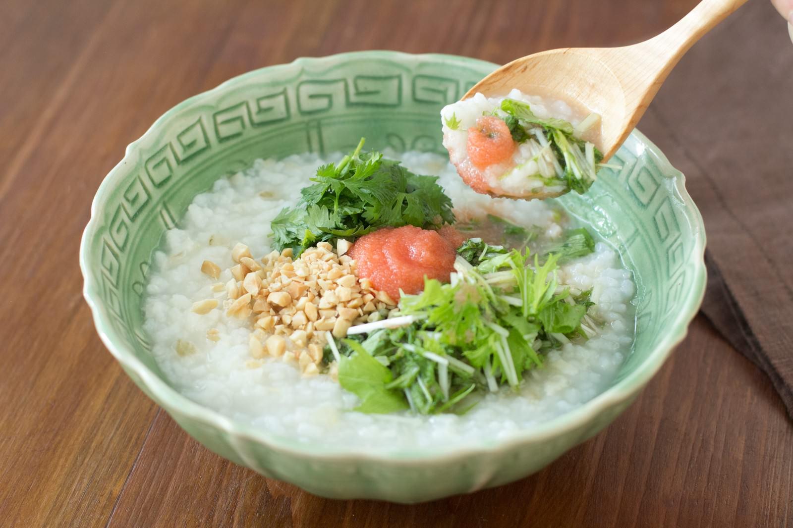 「あとを引く美味しさ!水菜と明太子の「香港がゆ」」の写真