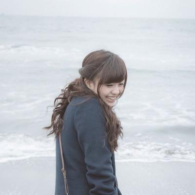 「「冬の海も楽しいね!」」の写真素材