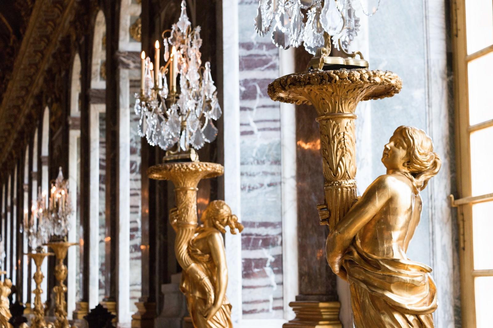 「ヴェルサイユ宮殿の照明」の写真