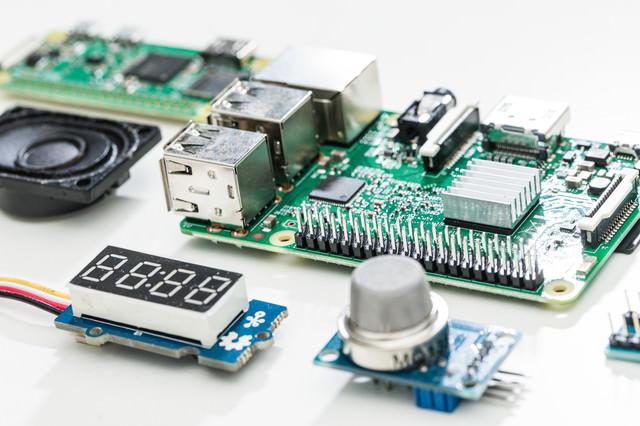 Raspberry Piと空気質センサーの写真