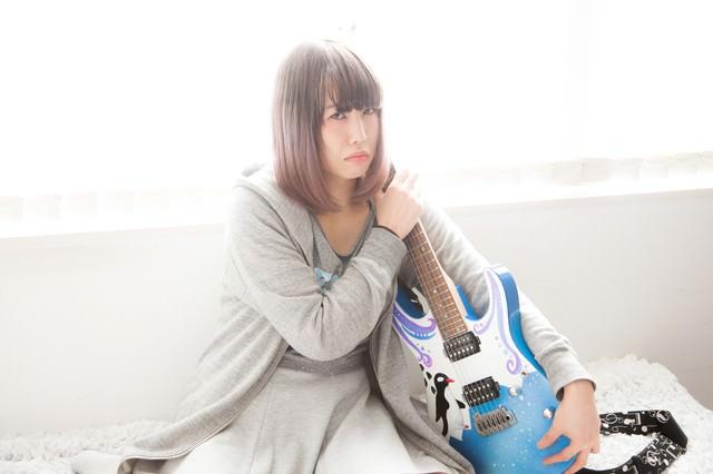 ツアー代が足りなくて魔の手からギターを守るの写真