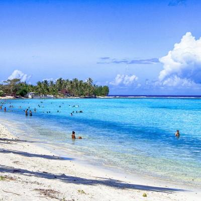 「タヒチの海水浴」の写真素材