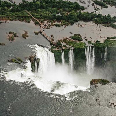 「世界遺産のイグアスの滝(ブラジル)」の写真素材