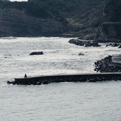 「千葉県いすみ市の海岸と釣り人」の写真素材