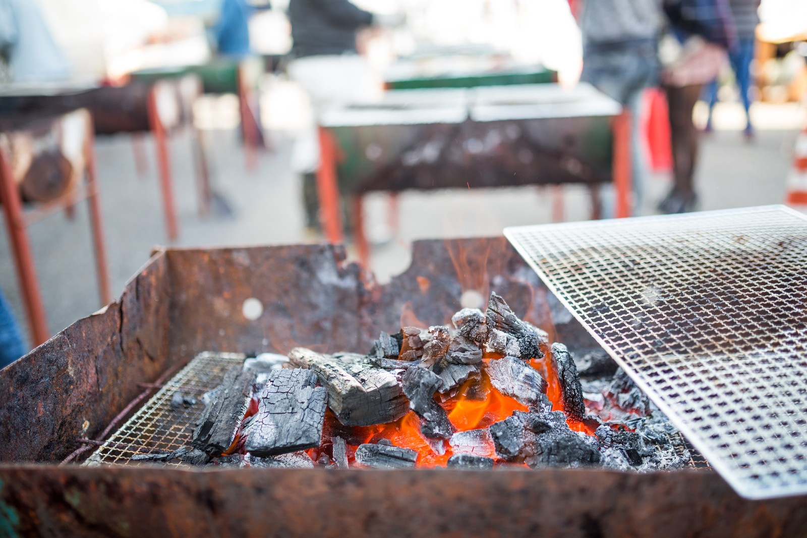 「炭火焼きバーベキュー炭火焼きバーベキュー」のフリー写真素材を拡大