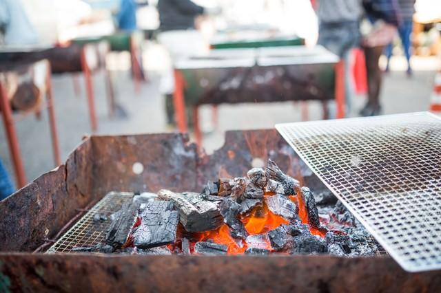 炭火焼きバーベキューの写真