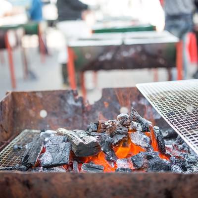「炭火焼きバーベキュー」の写真素材