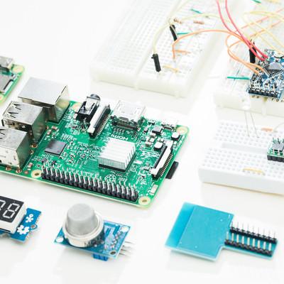 「ラズパイとIoT電子工作センサー類」の写真素材