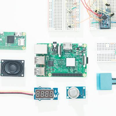 「IoT開発電子部品(Raspberry Pi)」の写真素材