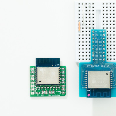 「Wi-FiモジュールESP-WROOM-02」の写真素材