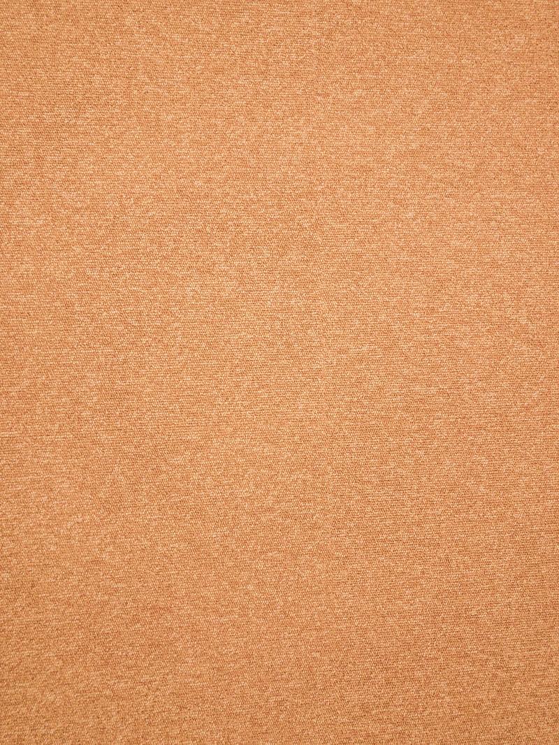 「オレンジのタイルカーペット(テクスチャ)」の写真