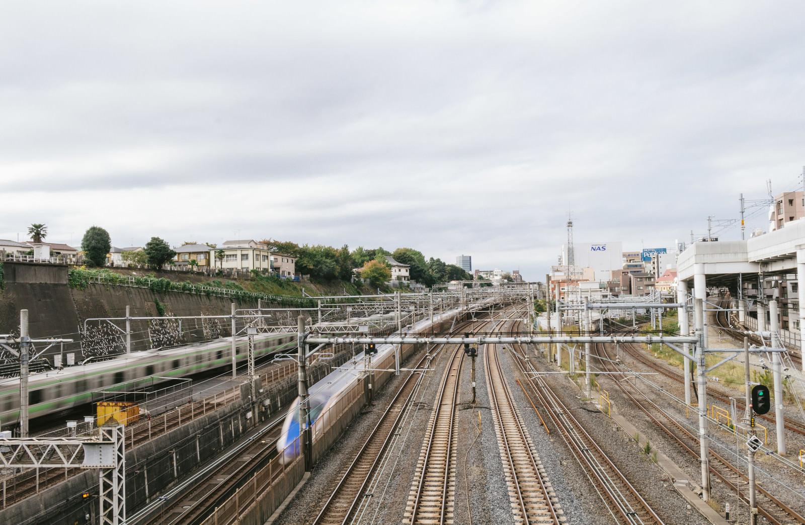 「日暮里、谷中(やなか)から見える14路線と電車」の写真