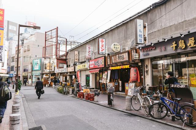 西日暮里駅前の飲食店の写真