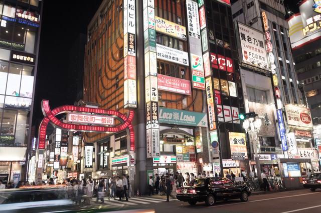 新宿歌舞伎町劇場通り前の写真