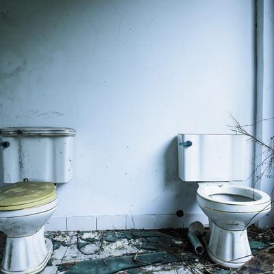 「台湾のパーティハウス廃墟(トイレ)」の写真素材