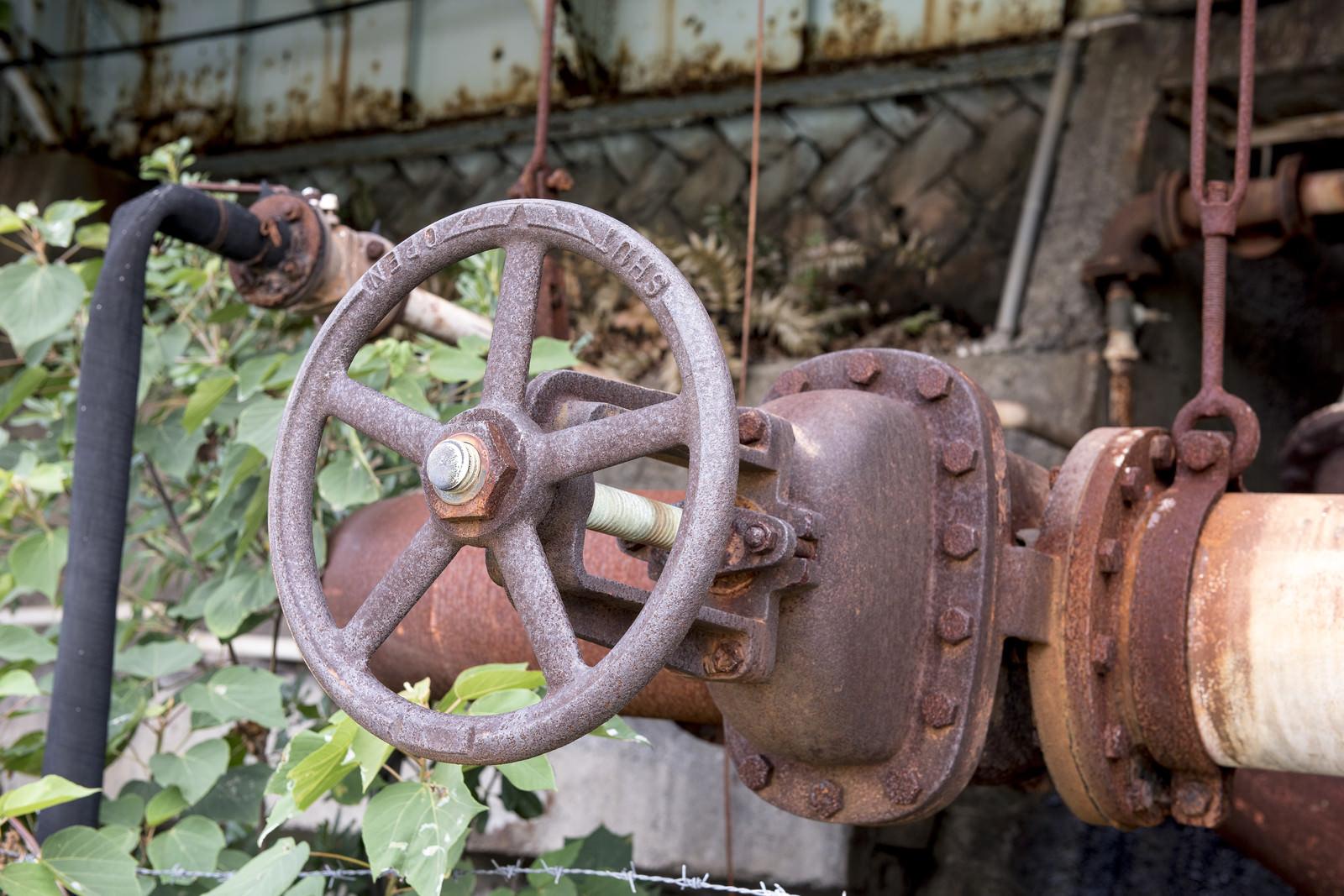 「錆びついたバルブ」の写真