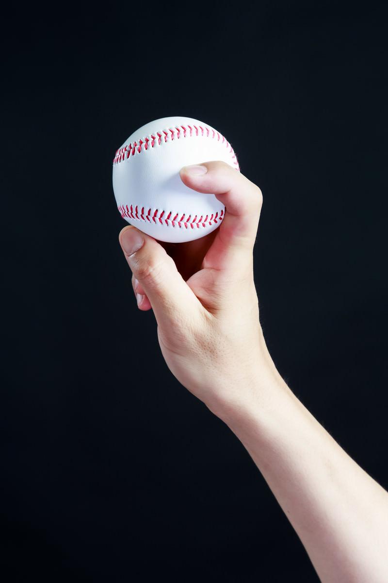 「フォークボールの握り方(横) | 写真の無料素材・フリー素材 - ぱくたそ」の写真