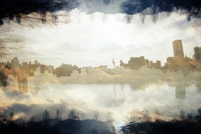 都会の蜃気楼(フォトモンタージュ)の写真