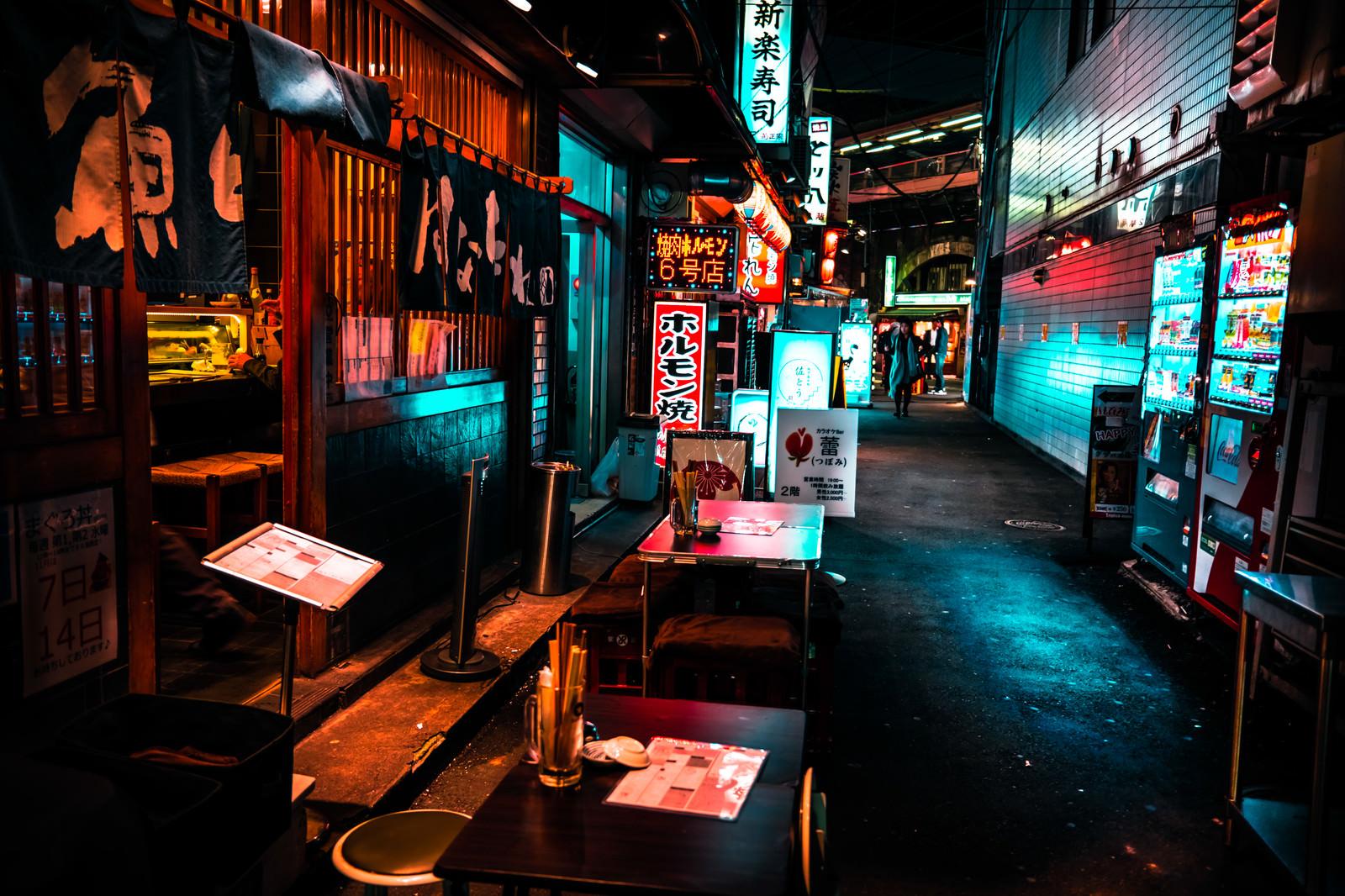「路地裏の居酒屋」の写真