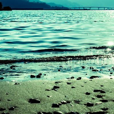 宇佐湾の浜辺よりの写真