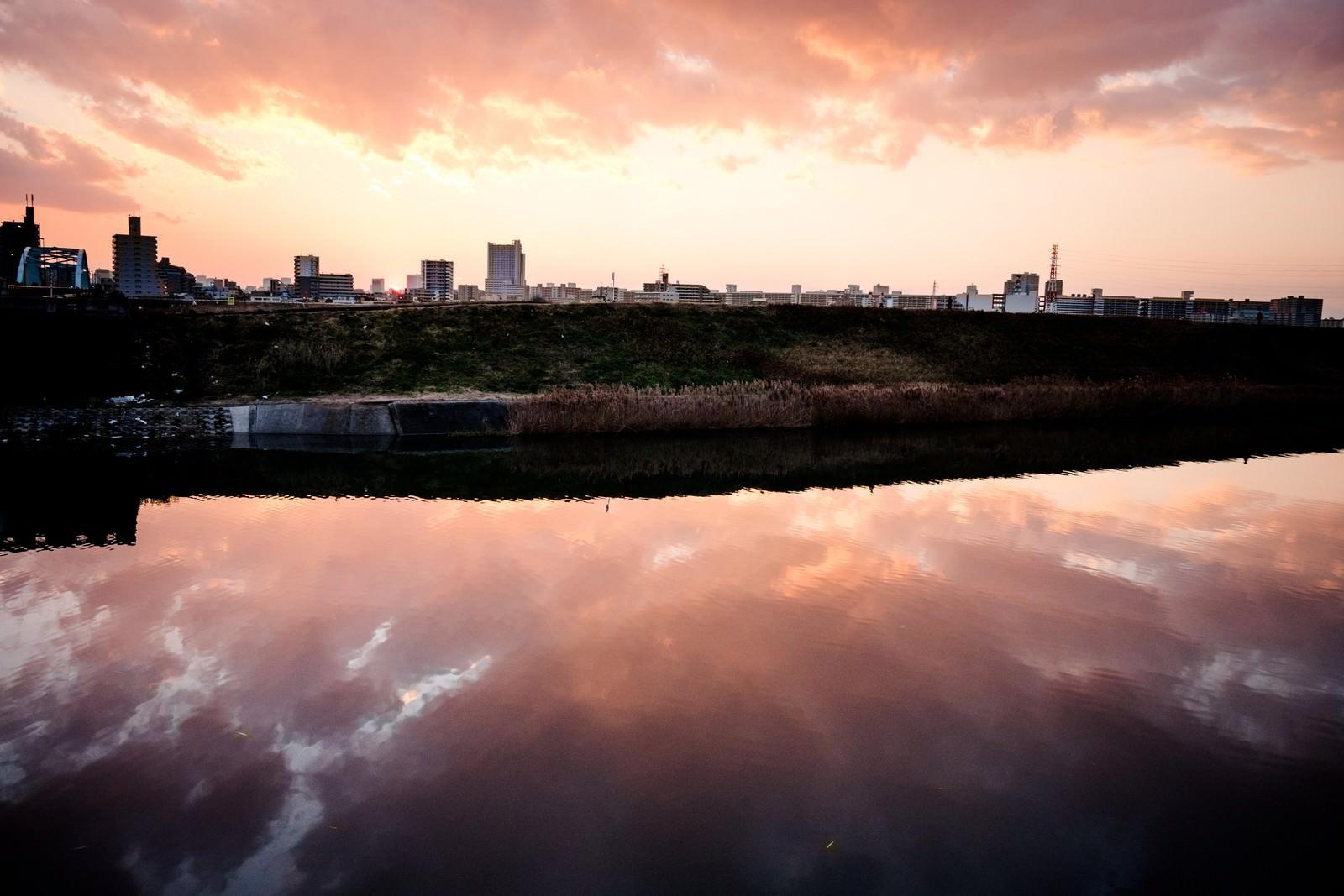 「荒川の夕暮れ荒川の夕暮れ」のフリー写真素材を拡大