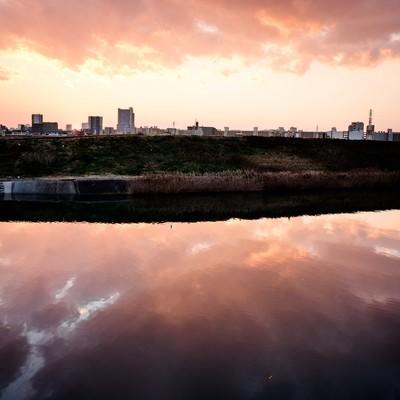 「荒川の夕暮れ」の写真素材