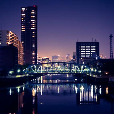 「江東区の川べり(夜景)」の写真素材