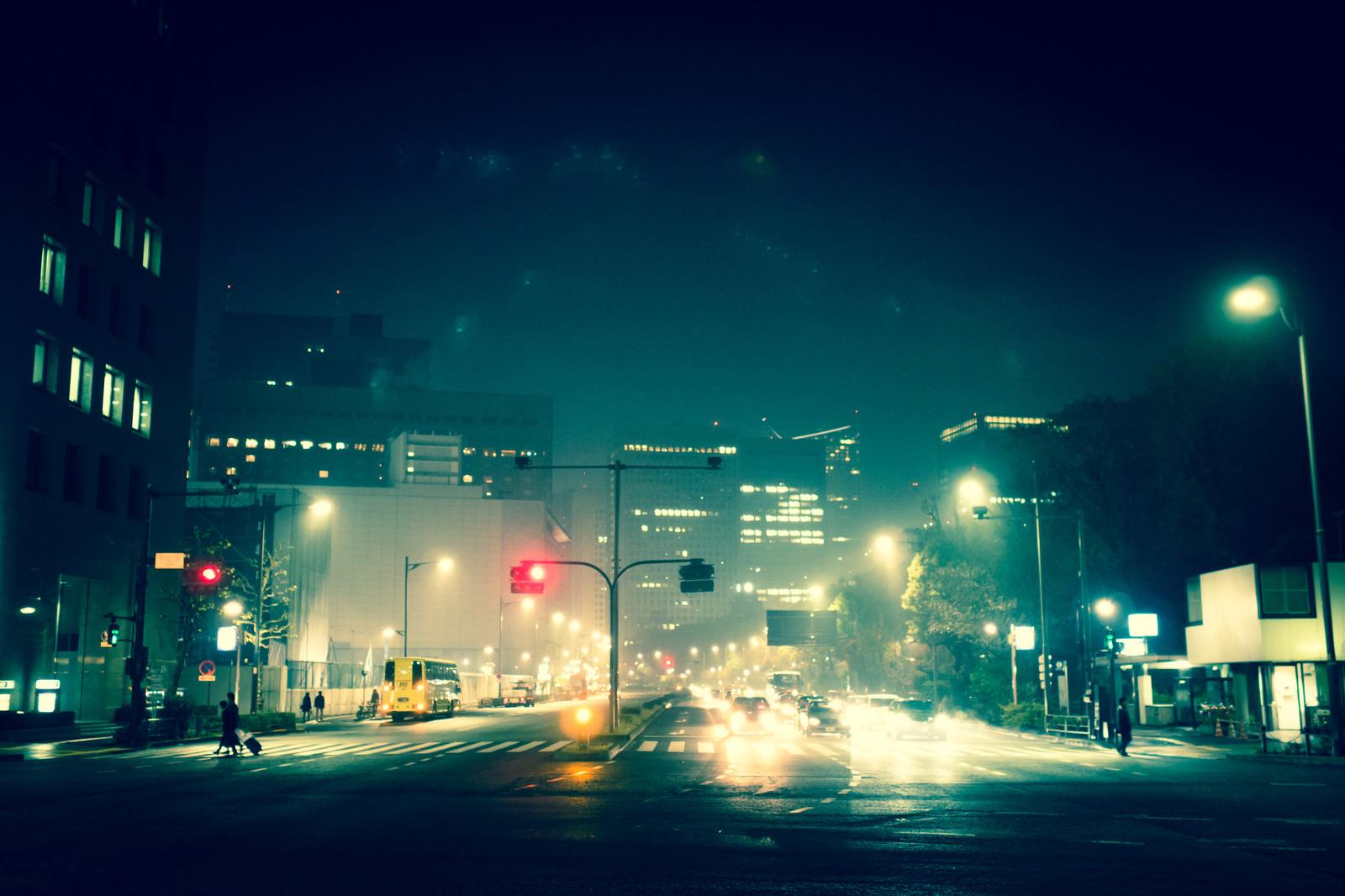 「夜の日比谷 | 写真の無料素材・フリー素材 - ぱくたそ」の写真