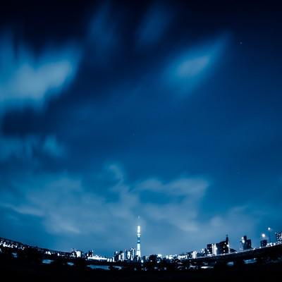 「夜のスカイツリー」の写真素材