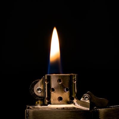 「オイルライターの炎」の写真素材