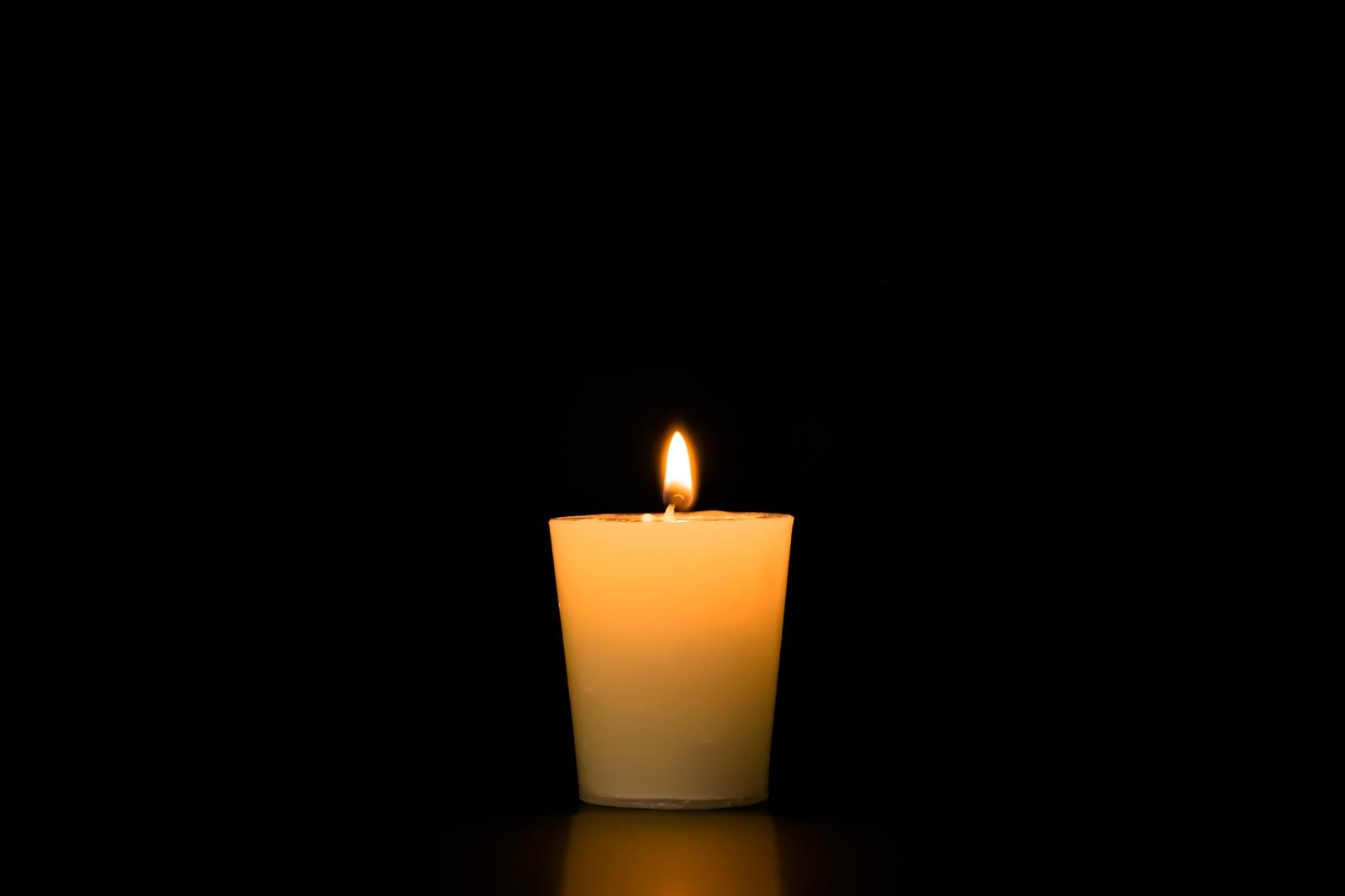 「アロマキャンドの点火」の写真