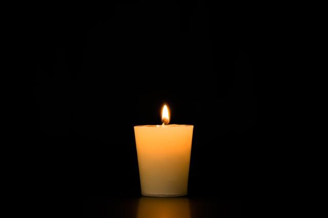 アロマキャンドの点火の写真