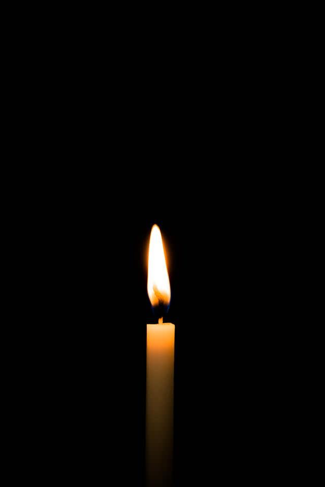 和蝋燭の明かりの写真