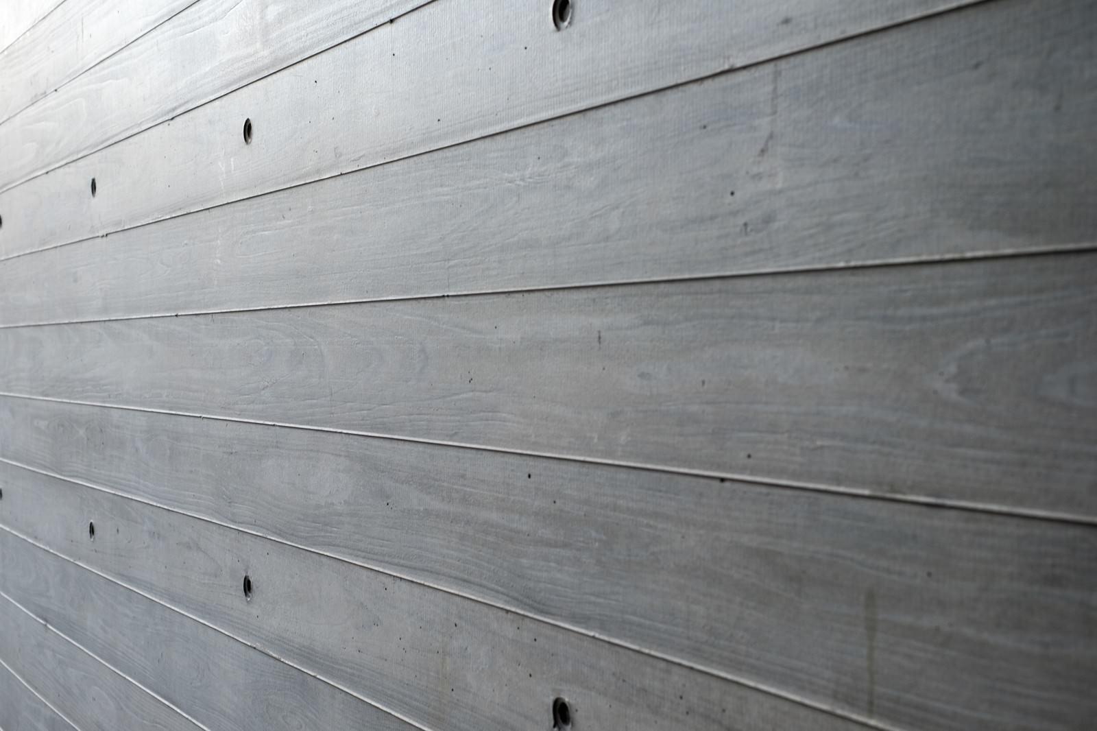 「木目板の柵(壁)木目板の柵(壁)」のフリー写真素材を拡大